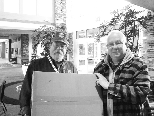 Bruce Thompson (club member) with Chuck Brenner, a second winner. The final winner was Jim Thomas (not pictured).